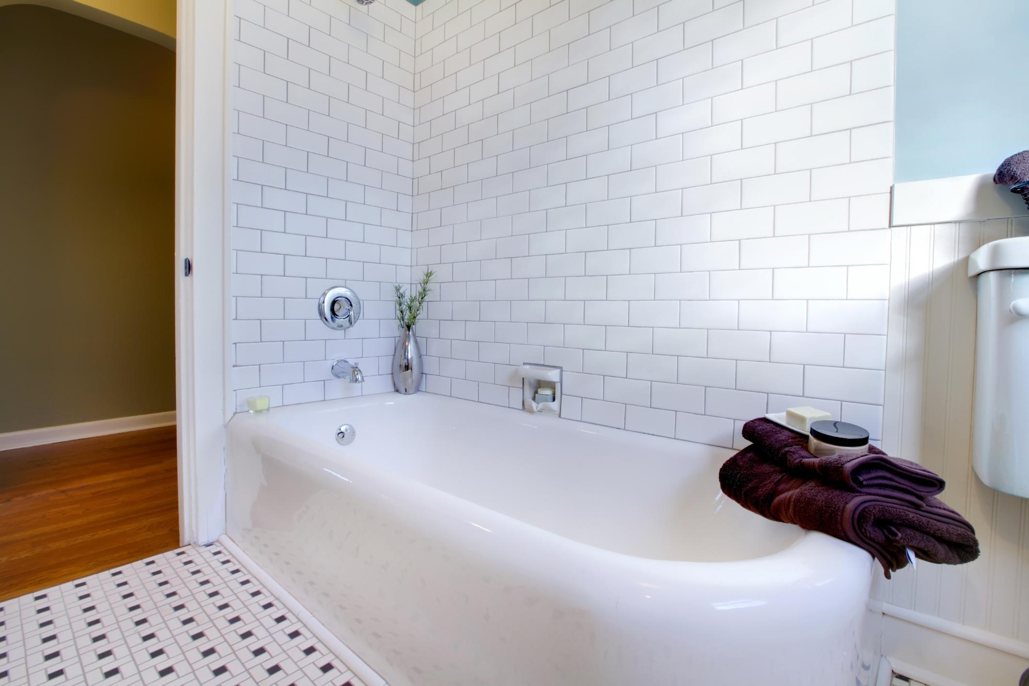 Tubs / Showers Service & Repair - Raleigh Plumbers   Golden Rule ...